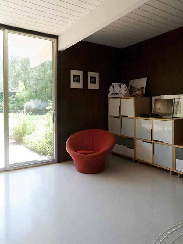 Modern Look Affordable Kitchen Storage Cabinet