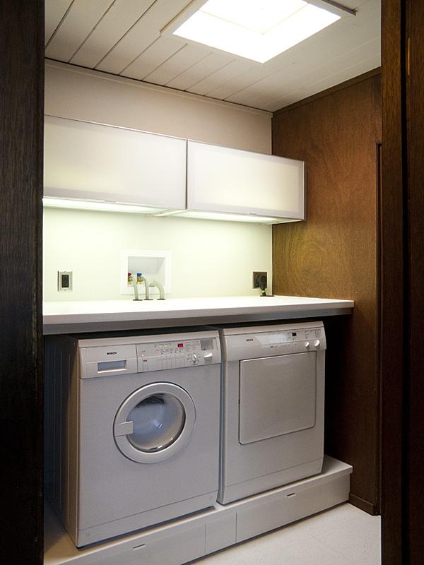 Retro Laundry Room